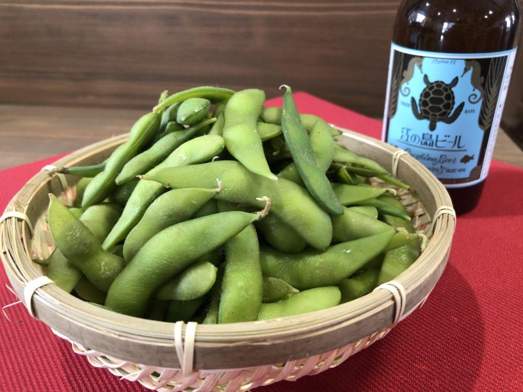 まずはやっぱりシンプルに!茹でた矢代茶豆とビールの相性は抜群!